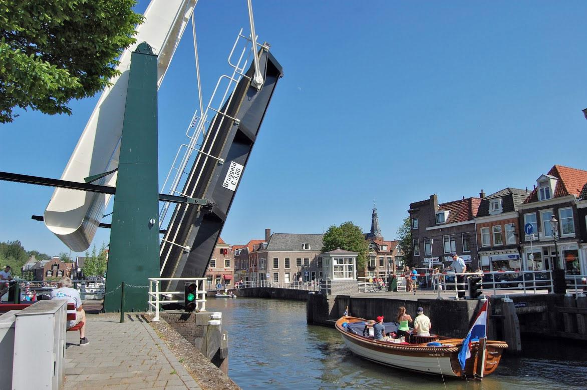 de Zwaantjesbrug in Weesp - André Verheul